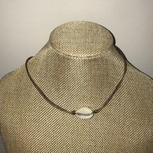 Handmade single shell choker